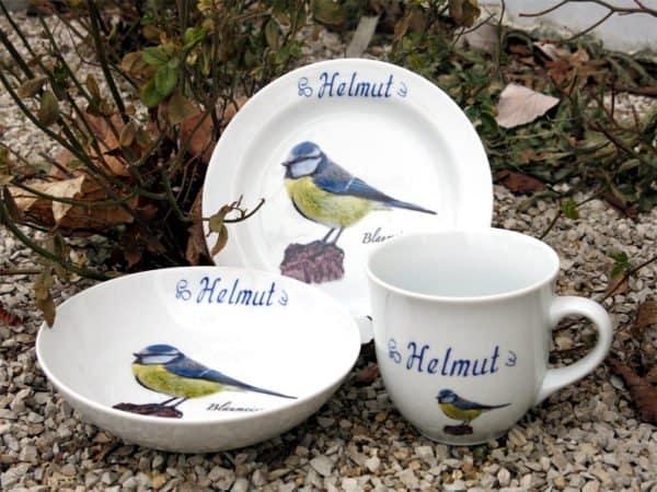Frühstücksgeschirr Porzellan Set großer Becher 400ml, tiefe Schale 18cm und flacher Teller 19cm mit Blaumeise und Namen