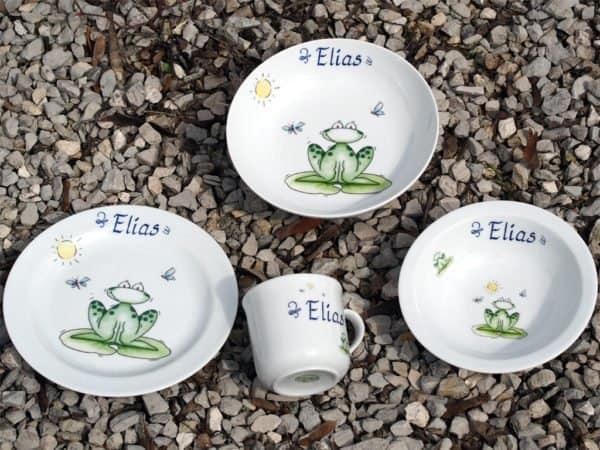 Kindergeschirr Porzellan Set mit Becher, Teller, Schale und Müslischüssel mit Frosch