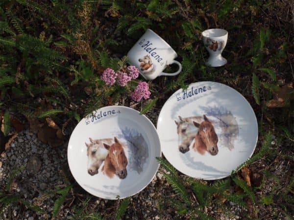 Kindergeschirr Porzellan Set mit Becher, Teller, Schale und Müslischüssel mit Schimmel und Brauner